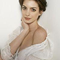 Anne-Hathaway-11