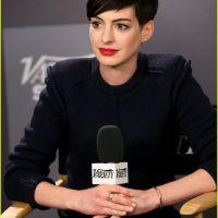 Anne-Hathaway-30