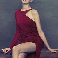 Anne-Hathaway-7