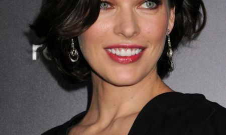 MILLA JOVOVICH Resident Evil Retribution Premiere in Los Angeles