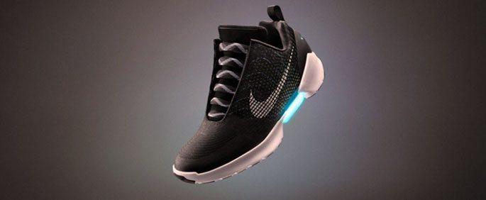 nike-hyperadapt-1-0-satisa-cikiyor Nike'ın Kendi Kendine Bağlanan Ayakkabısı HyperAdapt 1.0 Satışa Sunulacak!