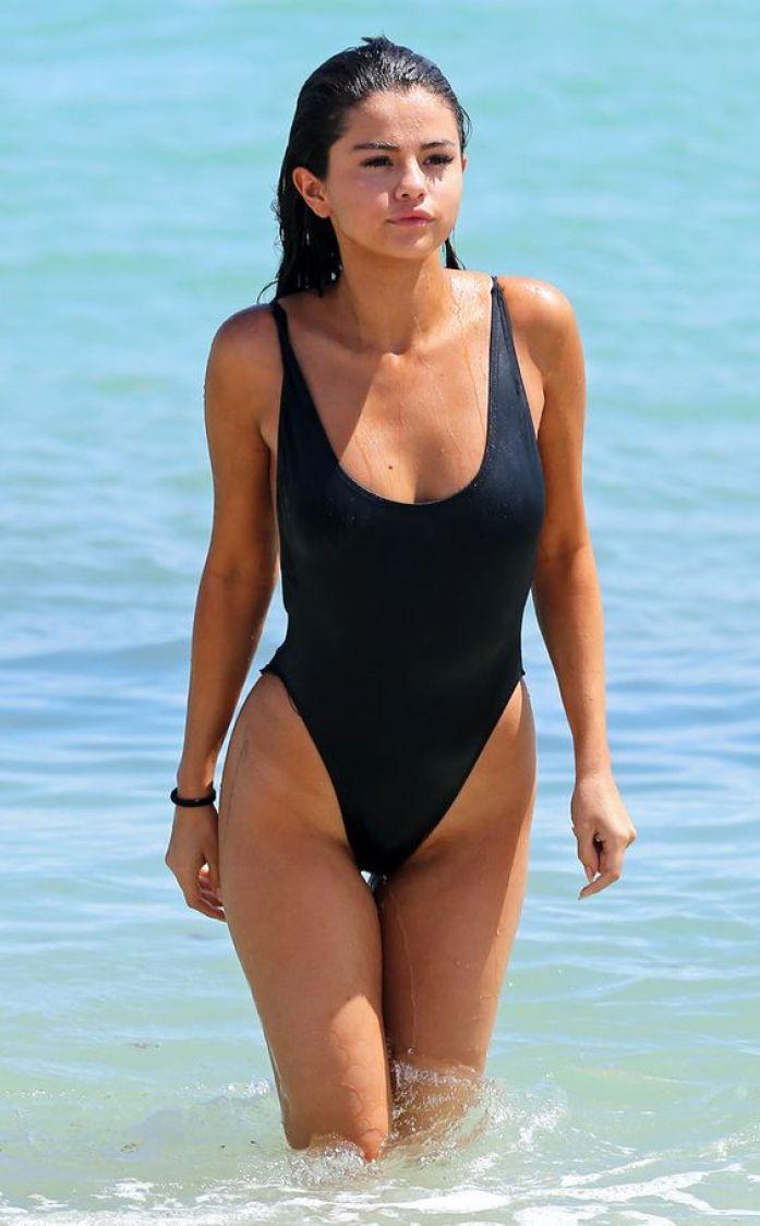 Selena-Gomez-40