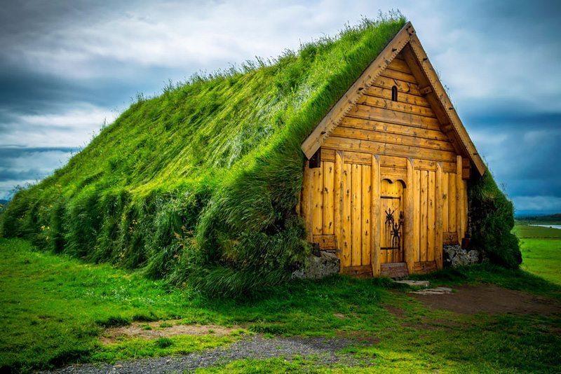 Skalholt,-İzlanda Çatısında Doğa Barındıran Evlerin Diyarı!