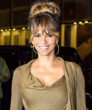 halle-berry-photo-gallery-13