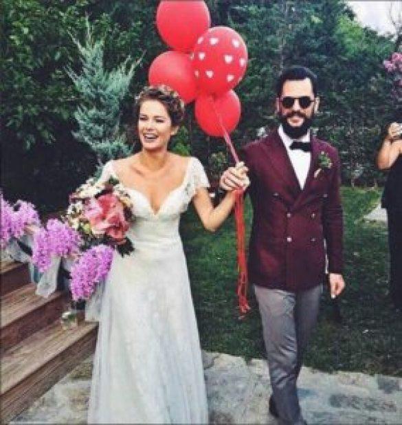 BURCU BİRİCİK - EMRE YETKİN 2016 Yılında Evlenen Ünlüler