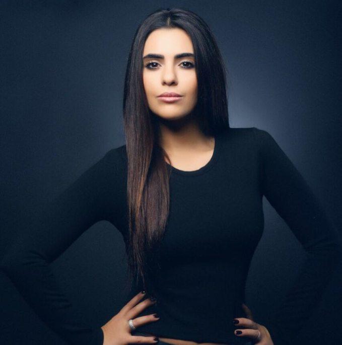 Semra-Guzel-Yeni-Fotograflari-18