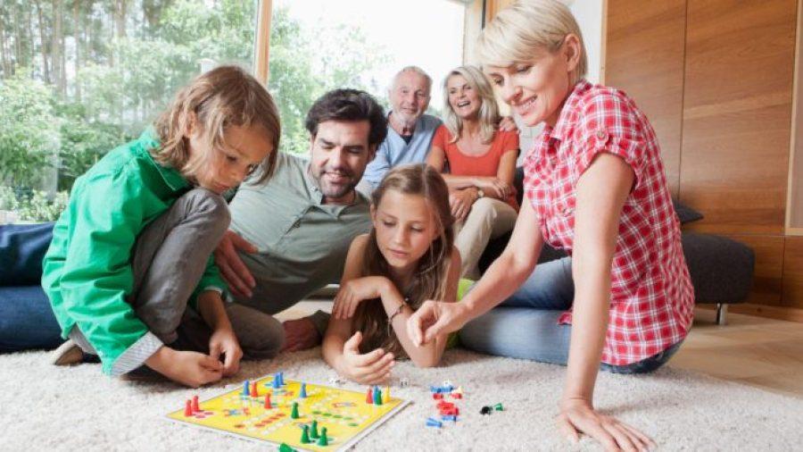 Çocuğunuz İle Birlikte Oyun Oynamanın Önemi Nedir?