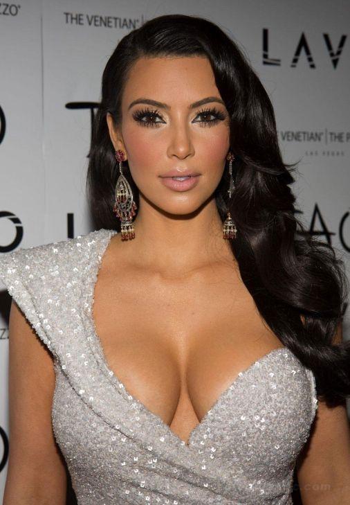 kim-kardashian-tao-silver-dress-1565676875