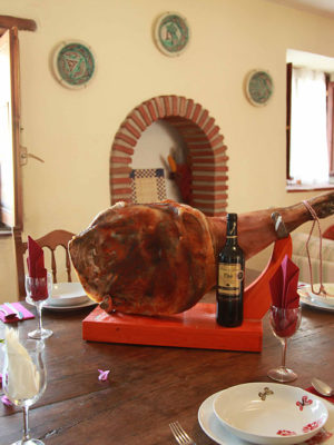 Malaga-holiday-home_jambon-dining1000