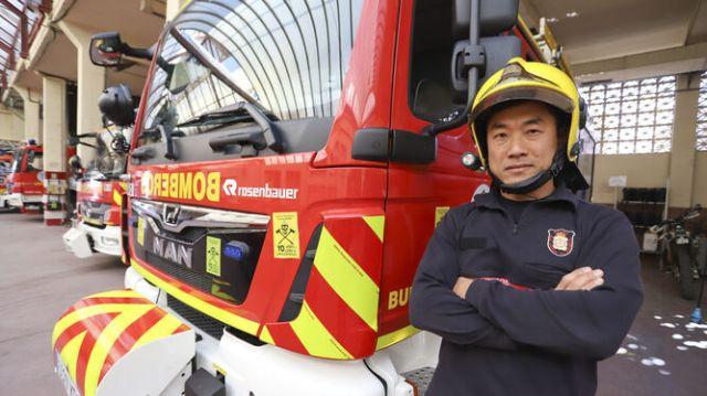 Liang, en el parque de bomberos de Martiricos