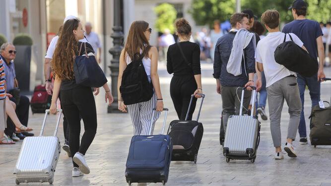 Madrid, la Magaluf de Europa: la capital se convierte en la comunidad que más visitas recibe de Europa
