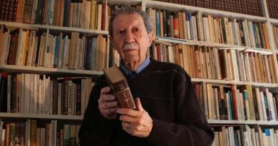 Falleció Manuel Alcántara hoy miércoles santo en su domicilio de Málaga