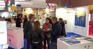 El Salón Náutico de París muestra una oferta de más 22.400 atraques de puertos deportivos de Andalucía