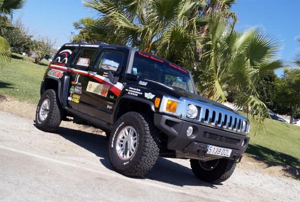Espectacular aspecto del Hummer H2 con el que el equipo malagueño participará en la competición.