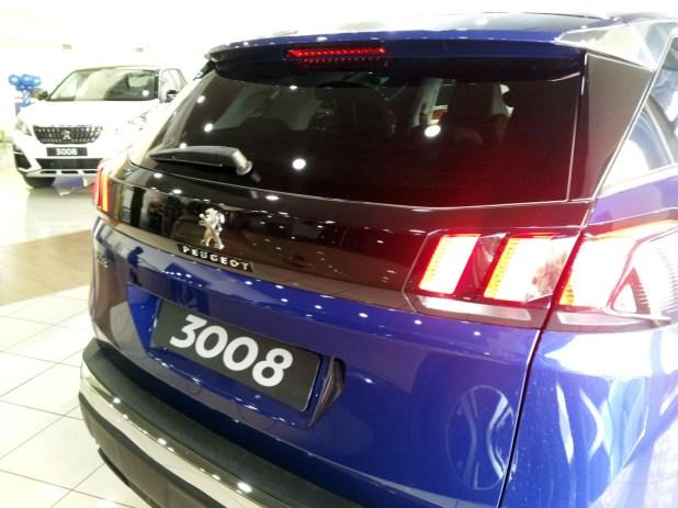 Las ópticas traseras definen la nueva identidad luminosa de Peugeot.