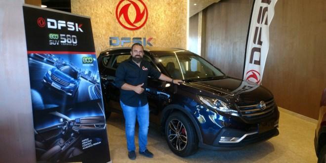 Manuel Campos, presidente del Club Deportivo Team Zapatito 4x4, en las instalaciones de DFSK Málaga.