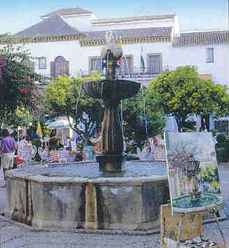 plaza-naranjos-marbella