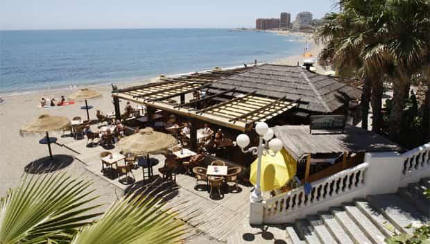 Chiringuitos in Málaga und Beach Clubs - Den Strand genießen
