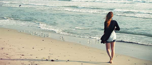 paseo-orilla-playa