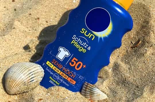 Protector solar factor 50
