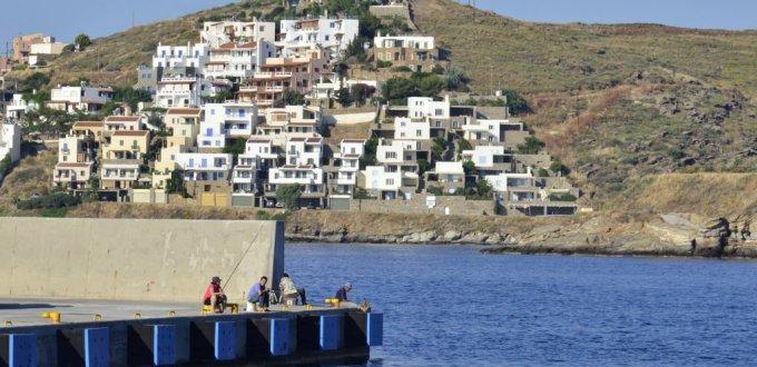 Fishermen at Kea Port