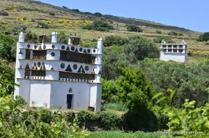 On the dovecote path of Tinos