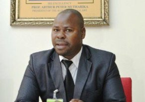 Viola: Eye on becoming an MP
