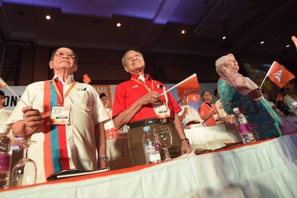 Mahathir dan Kit Siang: adakah perjanjian bersama dan Anwar bukan sebahagian daripada perjanjian tersebut.