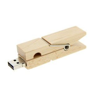W003 Wooden Clothespin USB Flash Drive