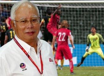 PM NAJIB MALAYSIA FOOTBALL