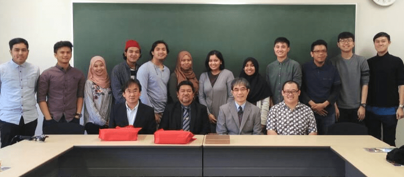 UoM professors and Roslan front second left as Visiting Professor to the university and Harold sitting extreme right with IUKL Student Exchange Programme in Japan