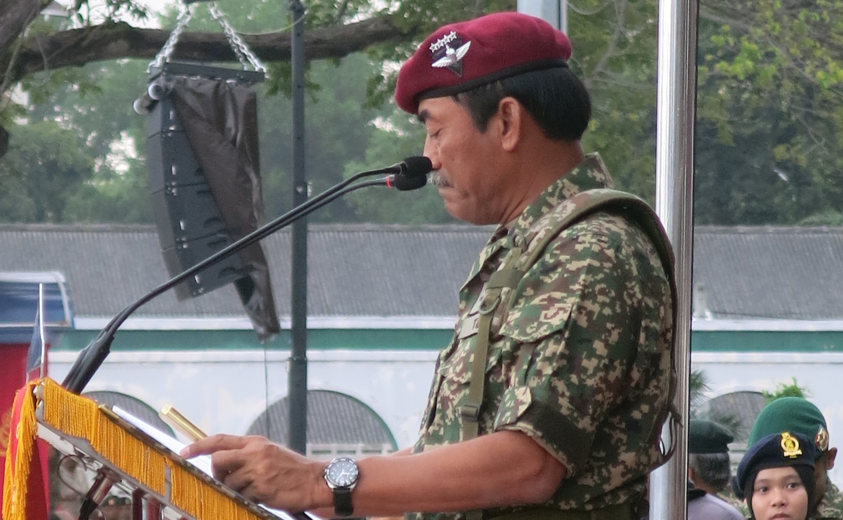Zulkiple Kassim delivering his speech in front of 3900 military at the 85th Malaysian Army Anniversary celebra on on Thursday