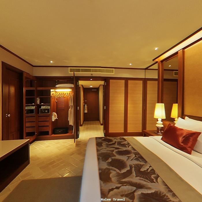 Holiday Inn Hotel Phuket Busakorn Wing