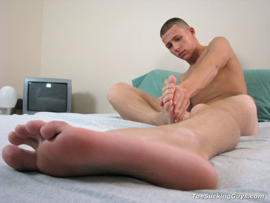 A naked James Kline plays with his own feet for Toe Sucking Guys