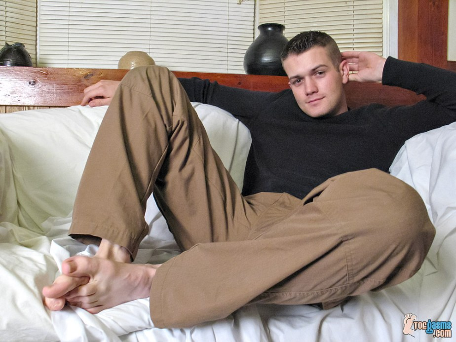 Bryce Corbin puts his toes together for Toegasms
