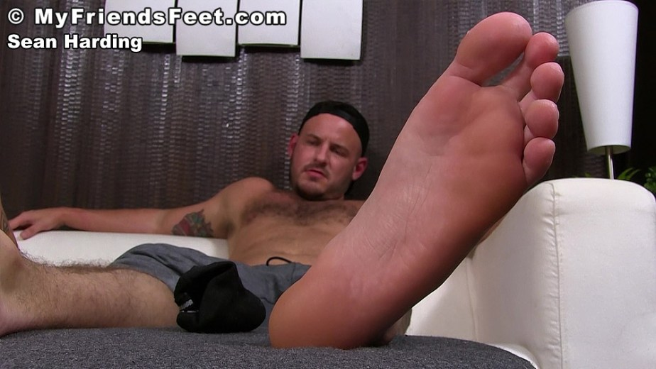 Sean Harding puts his bare male sole up for My Friends Feet