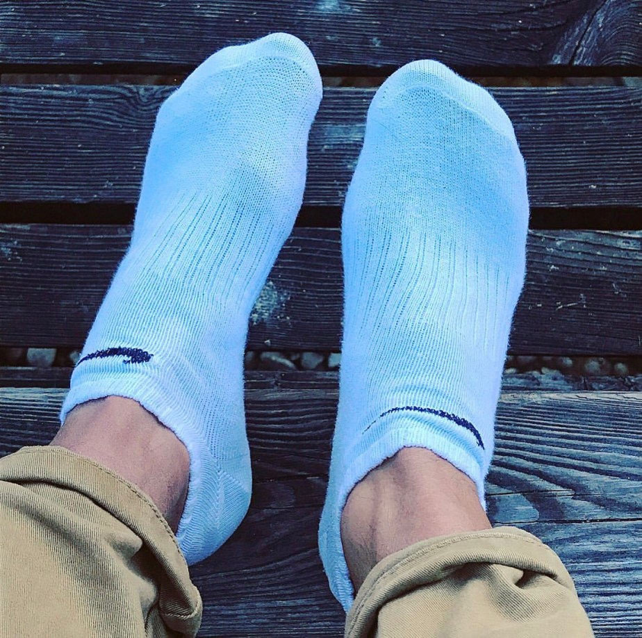 White Nike ankle socks