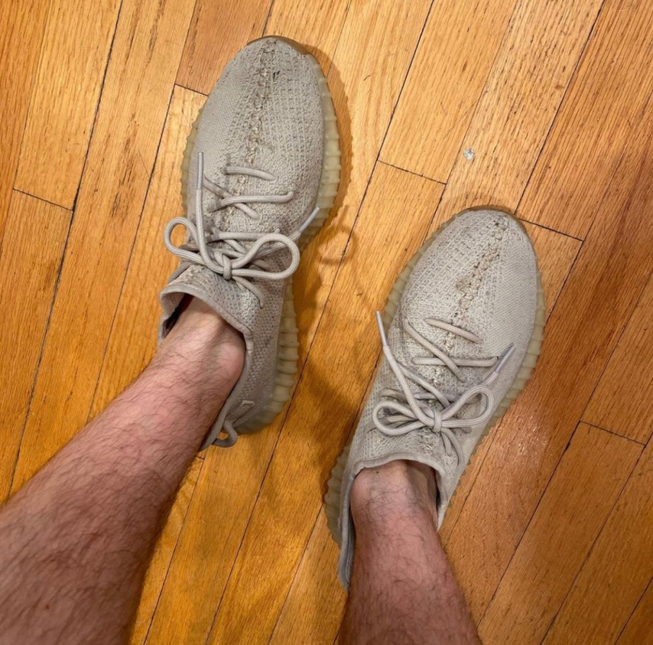 Justinpageft's size 10.5's sockless in Yeezy sneakers