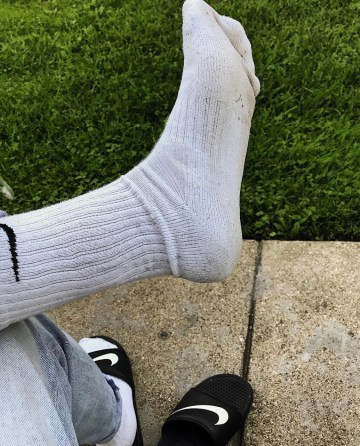 jaysfeeet's size 12 dirty white Nike crew socks out of Nike slides