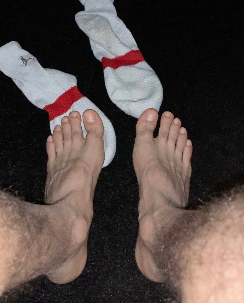 Mariodon17 shows off his hairy legs and bare feet out of white crew socks