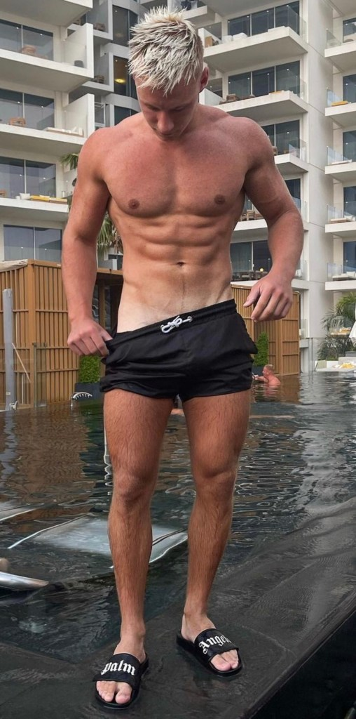Maxwyatt_ shirtless and barefoot in Palm Angels slides