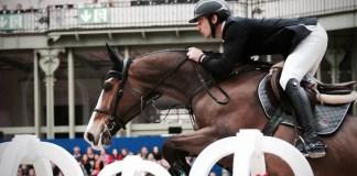 Hest_spring_rytter