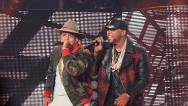 daddy yankee y don omar concierto en puerto rico 2015 370x209 - ¿pleito entre Daddy Yankee y Don Omar es real?