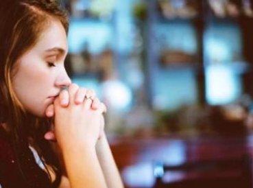 Investigación: La oración es una de las mayores armas contra problemas emocionales