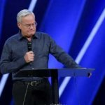 "Bill Hybels, de Willow Creek, se retira tras acusaciones de ""mala conducta"""