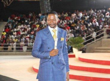 Zimbabue prohíbe predicación de la prosperidad en la televisión