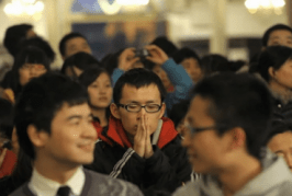 Partido Comunista contrata bandidos para impedir a cristianos ir a la iglesia