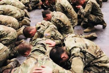 Más de 1.800 soldados del Ejército de EEUU aceptan a Jesús