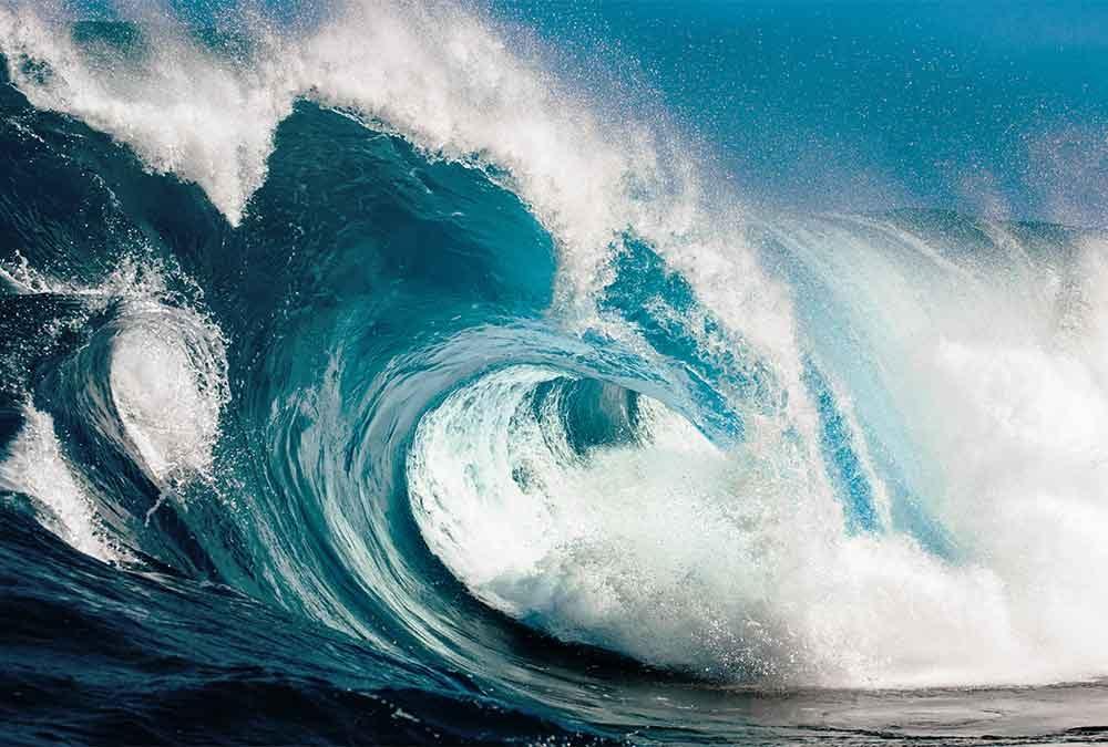 what causes ocean waves