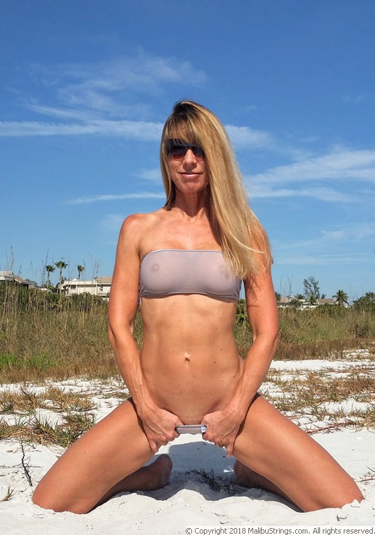 MalibuStringscom Bikini Competition  Sheila  Gallery 2